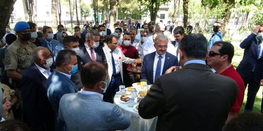 Diyarbakır Valiliği Bahçesini bayramlaşmaya açtı