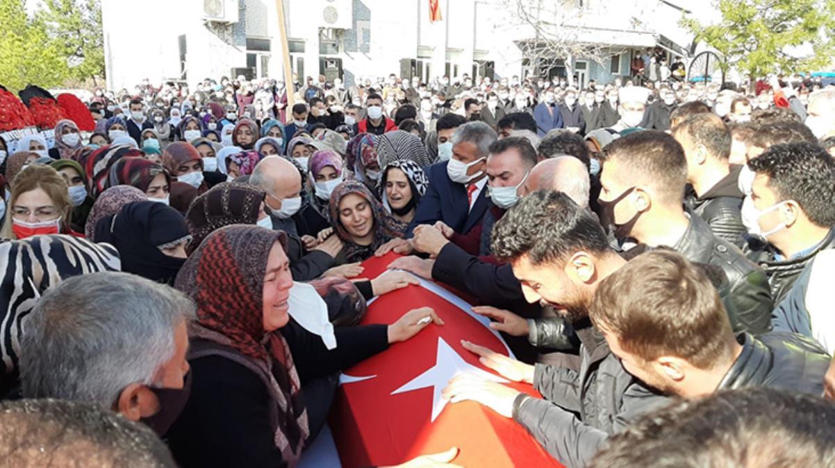 Gara şehidi Adıyaman'da dualarla uğurlandı, cenazede Kürtçe feryatlar yükseldi