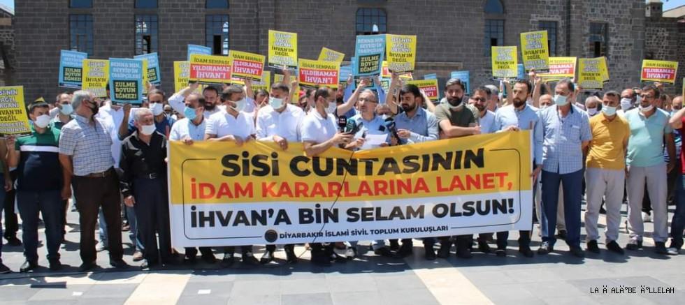 Sisi'nin idam kararı Diyarbakır ulu camisinde protesto edildi