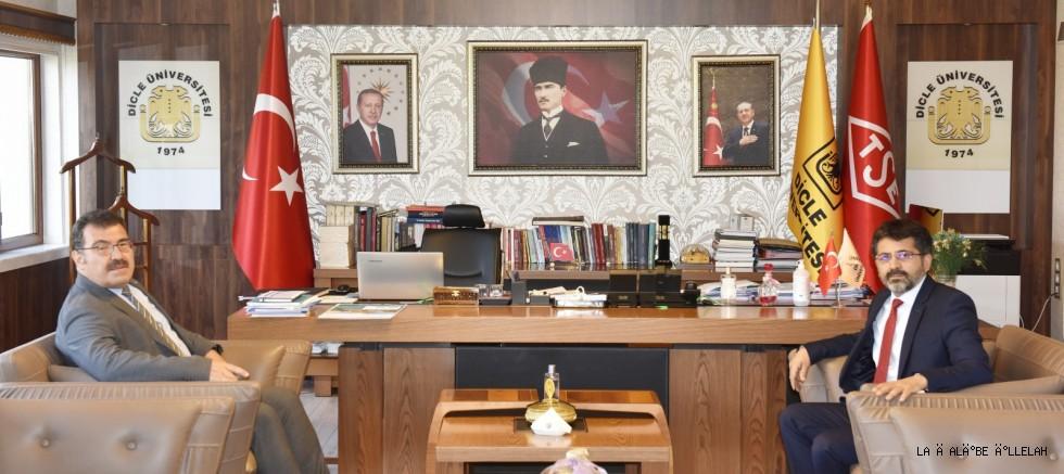 TÜBİTAK BAŞKANI PROF. DR. HASAN MANDAL, ÜNİVERSİTEMİZİ ZİYARET ETTİ